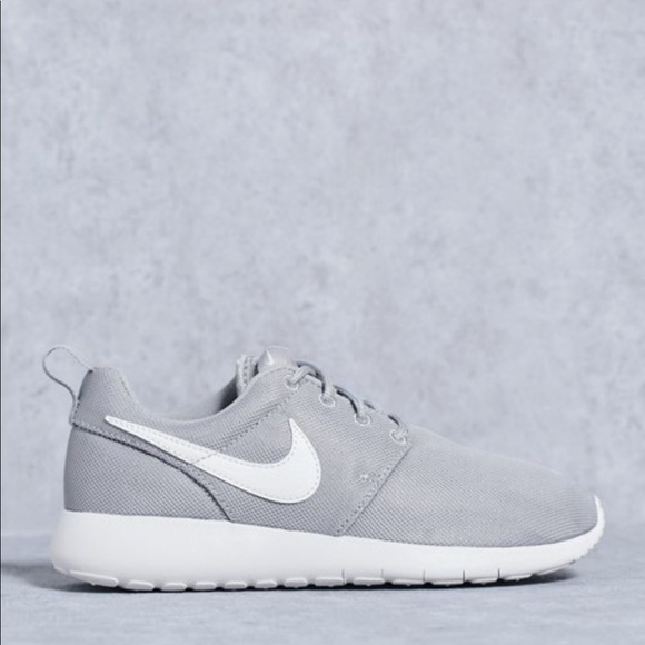 low priced 47393 47b3d Nike roshe one women s grey white shoes. M 5c83fc4145c8b3998a0c74cb
